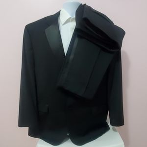 Calvin Klein Suits & Blazers - Calvin Klein Black Men's Tuxedo Suit